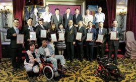 台中向上扶輪社捐贈復健輪椅 增進身障學生心肺、肌力功能